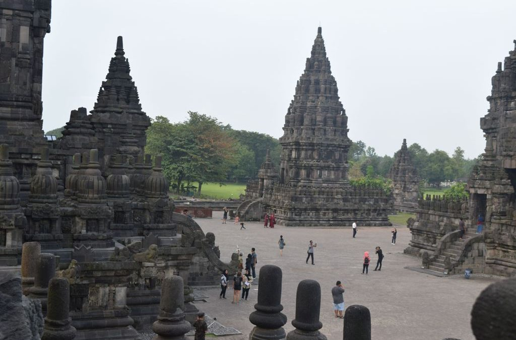 Indonesia Tours With Tri Jaya Tour & Travel