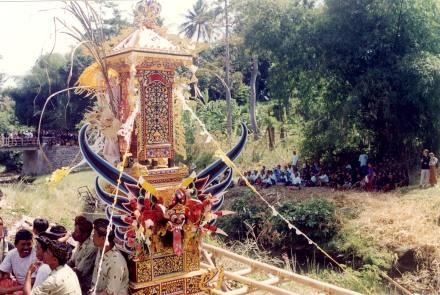 bali optocht detail - Bali Culture