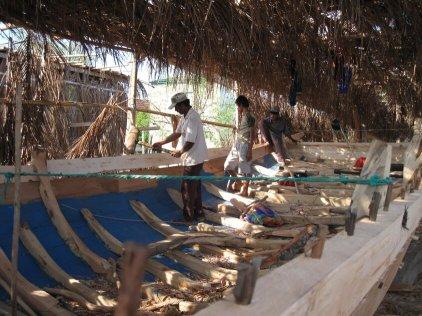 sulawesi boat building - Makassar